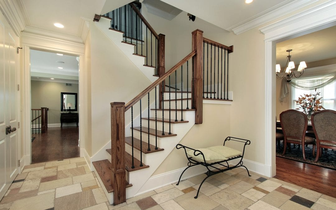The Benefits of Hiring a Professional Contractor to Paint Your Foyer